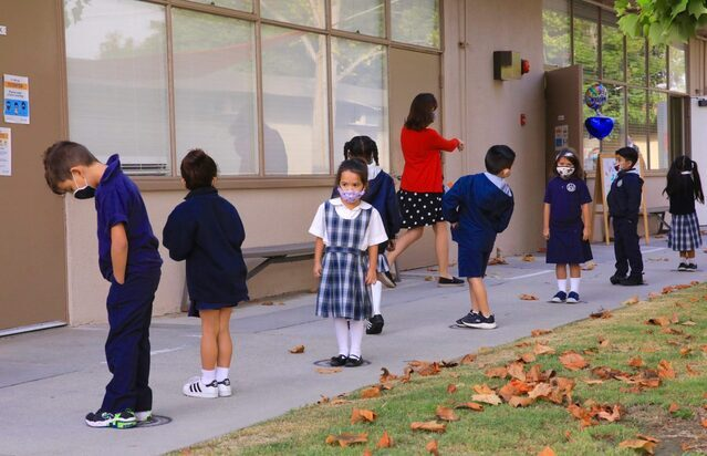 Escuelas católicas de LA toman un